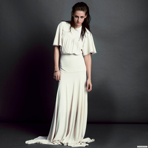 Kristen Stewart pose pour V magazine.