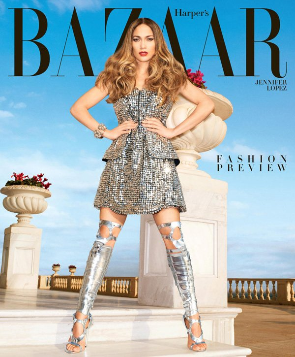 Jennifer Lopez pose pour Harper's Bazaar.