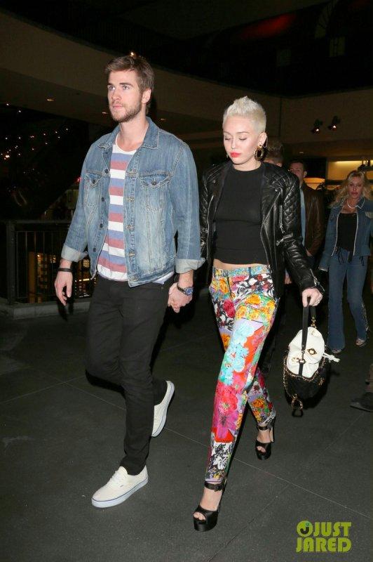 Miley Cyrus de sortie avec son fiancé.