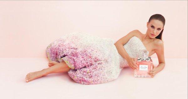 Natalie Portman pose pour Miss Dior.