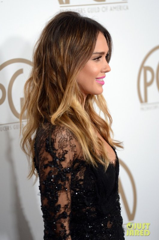 Jessica Alba à un évènement à Beverly Hills. 2013 Producers Guild Awards