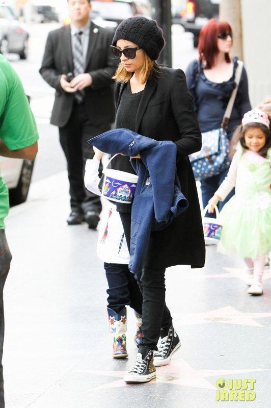 Nicole Richie de sortie. Hollywood