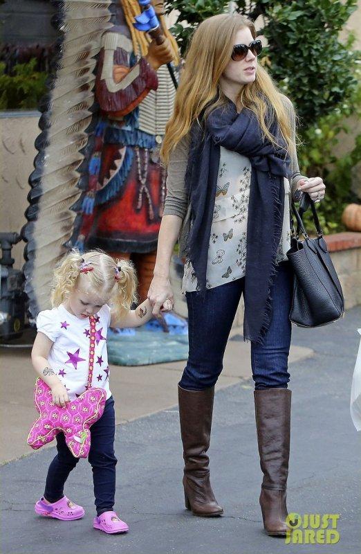 Amy Adams sort déjeuner avec sa fille. Los Angeles