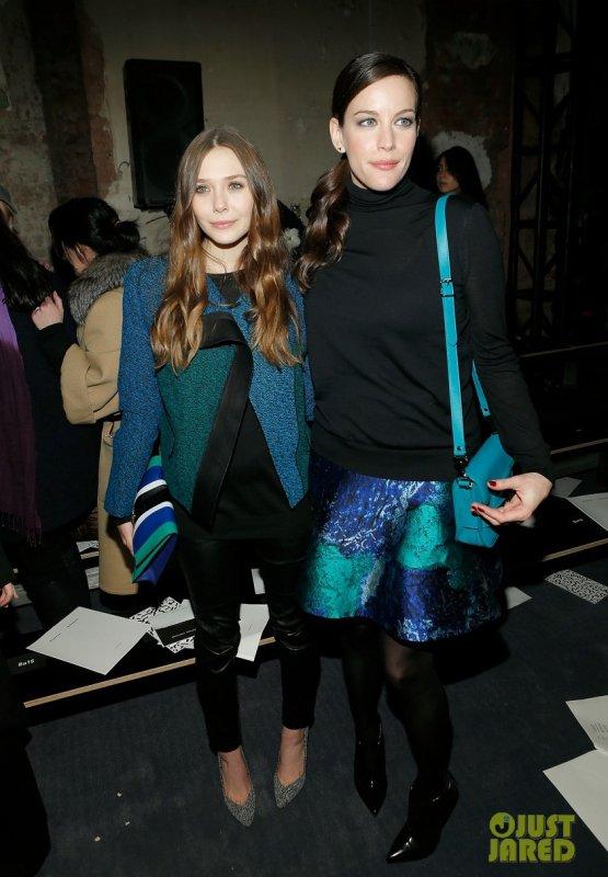 Elizabeth Olsen et Liv Tyler au défilé Proenza Schouler. New York