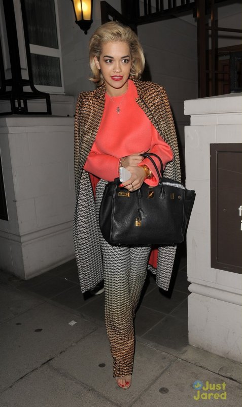 Rita Ora et Cara Delevingne de sortie. Londres