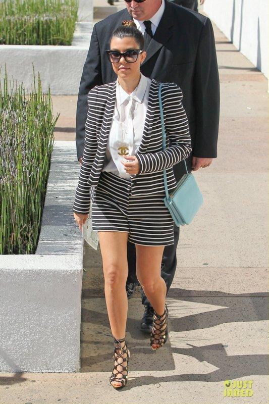 Kourtney Kardashian de sortie. Los Angeles
