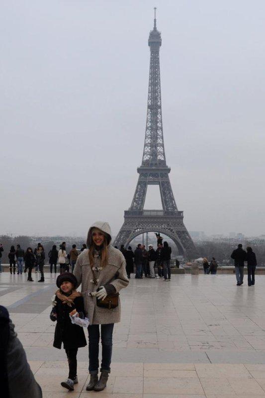 Jessica Alba de sortie. Paris