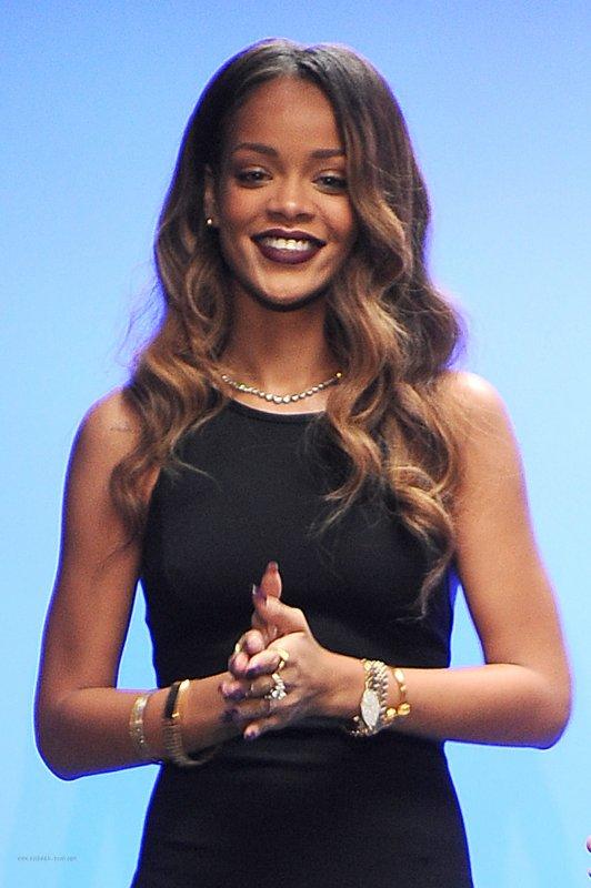 PRÊT-À-PORTER  Saison Automne-Hiver 2013 / 2014 Rihanna x River Island