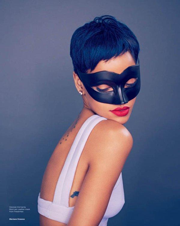 Rihanna pose pour ELLE.