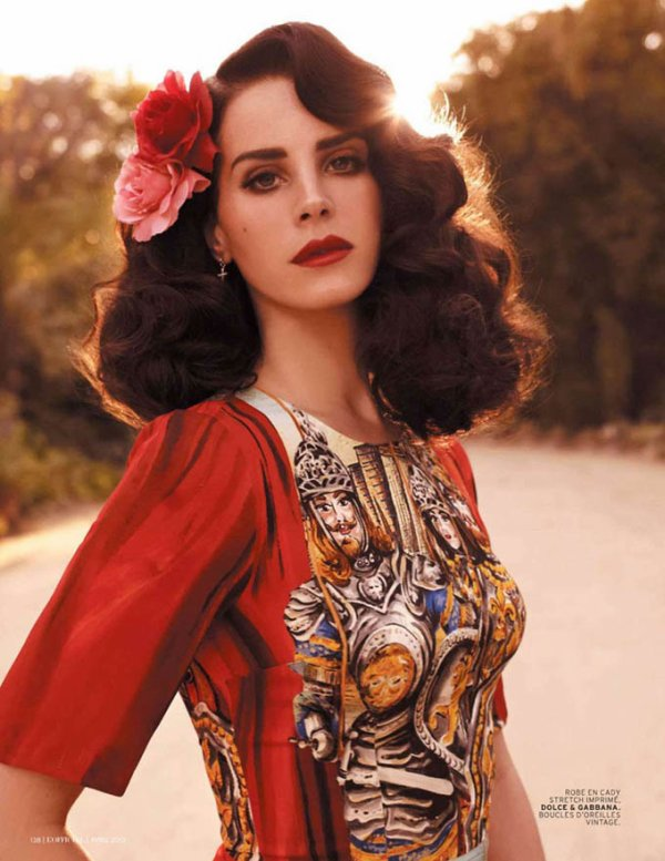 Lana Del Rey pose pour L'Officiel.