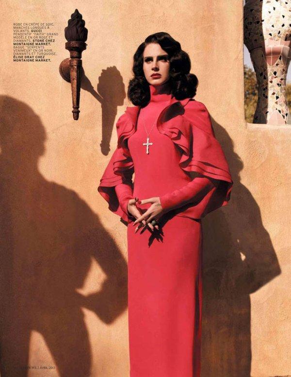 Lana Del Rey pose pour L'Officiel.