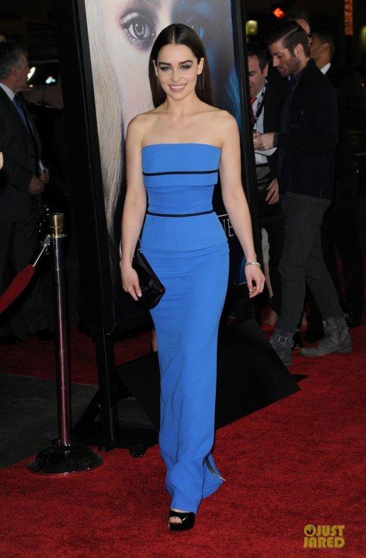 Emilia Clarke à la première de la saison 3 de Games of Thrones. Hollywood