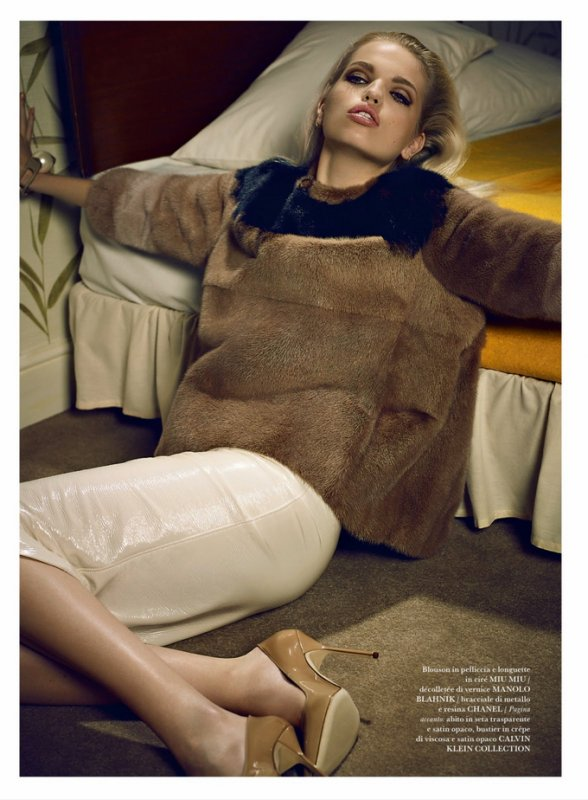 Daphne Groeneveld pose pour Flaire.