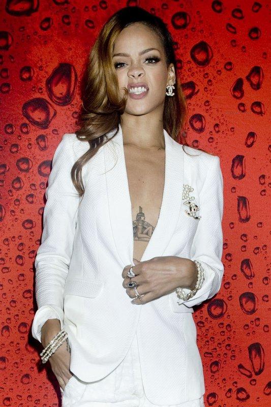 Rihanna dans les coulisses de son concert. Los Angeles