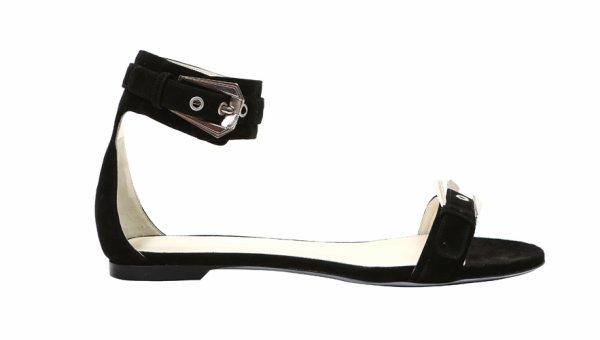 Les sandales de l'été source : vogue.fr
