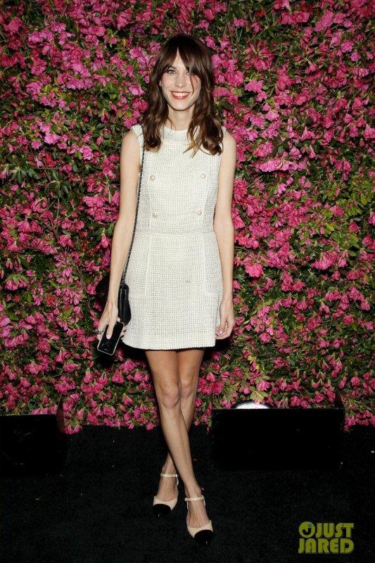 Alexa Chung à un évènement à New York. Chanel Artists Dinner