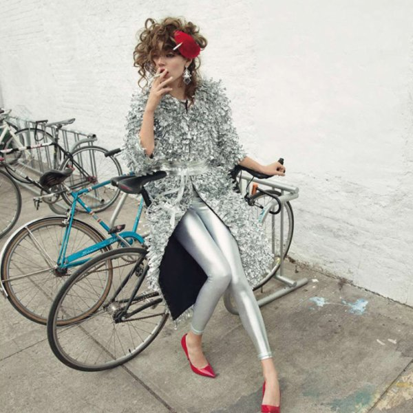Freja Beha pose pour Vogue.