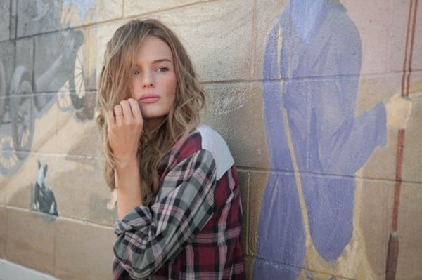Kate Bosworth pose pour Topshop.