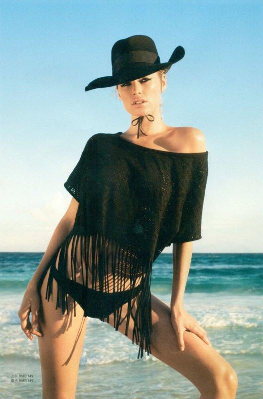 Doutzen Kroes pose pour H&M.