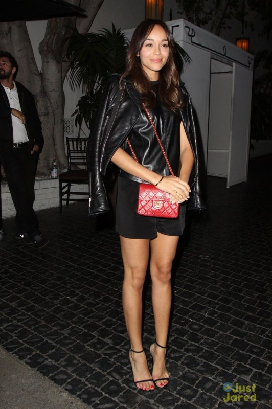 Ashley Madekwe de sortie.