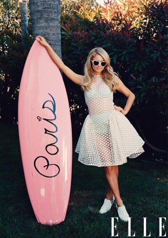 Paris Hilton pose pour ELLE.