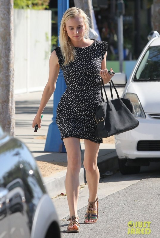 Diane Kruger fait du shopping. West Hollywood