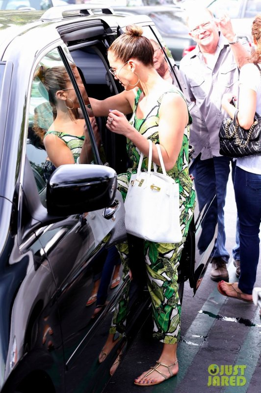Jennifer Lopez de sortie. Calabasas, Californie