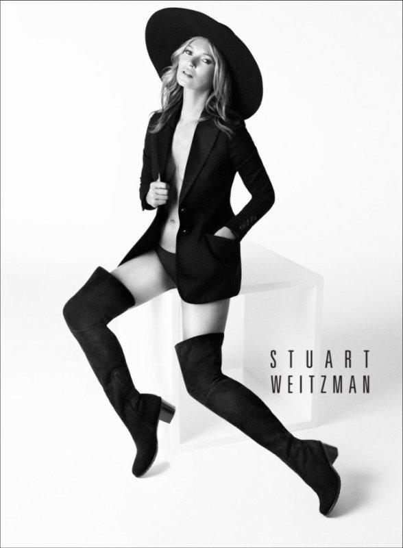Kate Moss pose pour Stuart Weitzman.