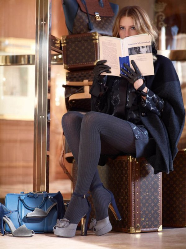 Dree Hemingway pose pour Louis Vuitton. automne / hiver 2013-2014