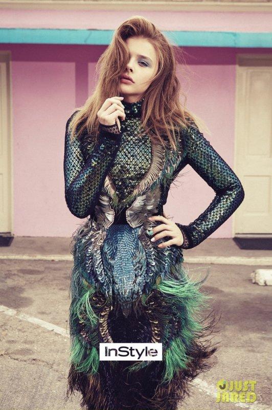 Chloé Moretz pose pour InStyle.