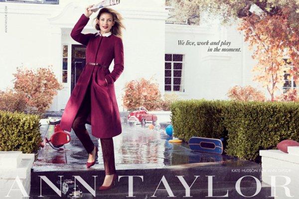Kate Hudson pose pour Ann Taylor.
