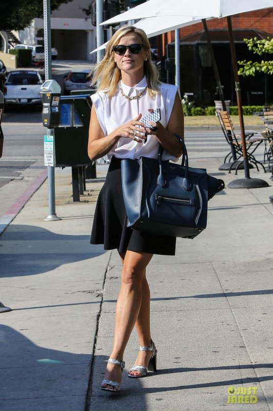 Reese Witherspoon de sortie. Brentwood, Californie