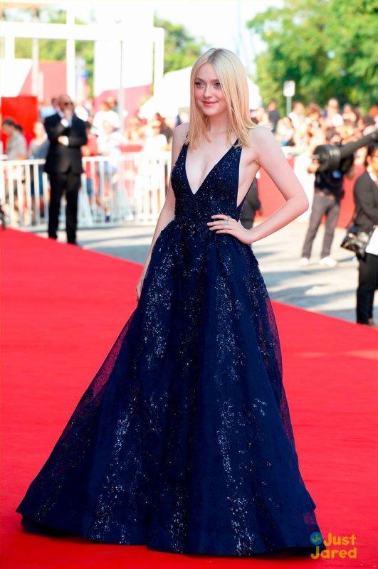 Dakota Fanning à la première d'un film. Italie