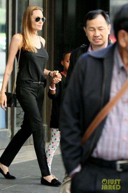 Angelina Jolie fait du shopping. Sydney, Australie