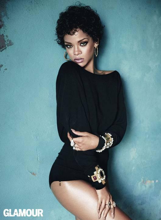 Rihanna pose pour Glamour.