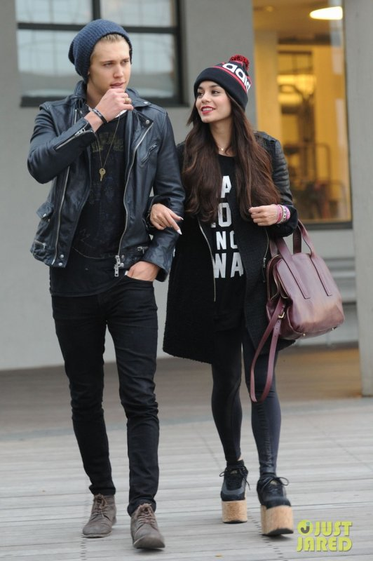 Vanessa Hudgens de sortie avec son boyfriend. New York