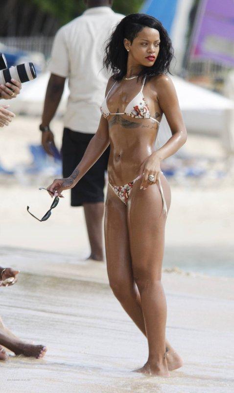 Rihanna à la plage.