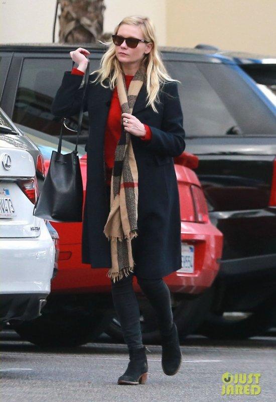 Kirsten Dunst fait du shopping avec sa mère. Studio City, Californie