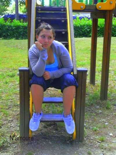 Reprend son ancien blog : mademoiselle-coralie-65 ....