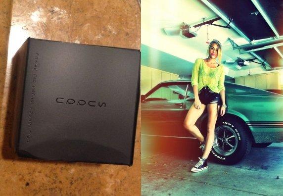 L'aujourd'hui, le 25 juin, les paparazzis ont capturé Miley en sortant de Starbucks près de son amie Jen Talarico dans Les Anges. Elle luisante incroyable avec une blouse verte un citron, quelques shorts jolis noirs, un ruban amusant dans sa tête et les unes Converse.