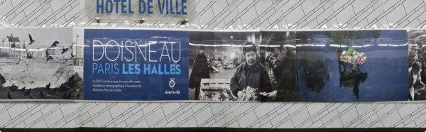 ROBERT DOISNEAU     PARIS LES HALLES