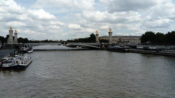 Le Pont Alexandre III .