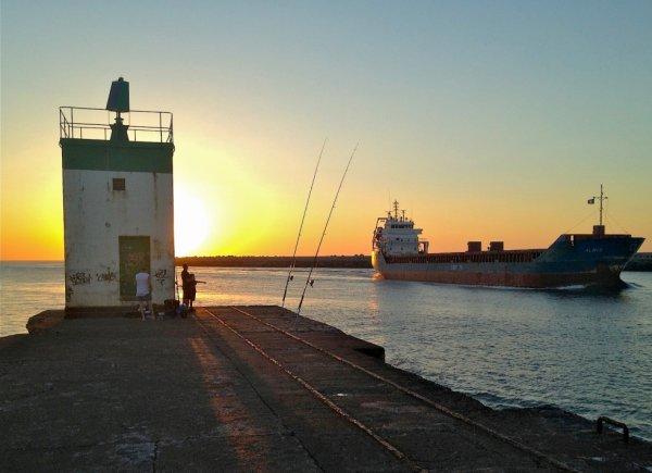 Barre de l'Adour, entrée du port de Bayonne  (Pays Basque)