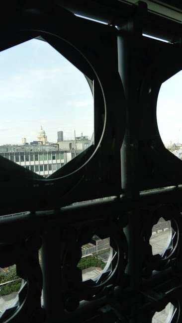Paris, vu d'une terrasse.