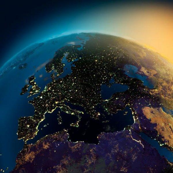 Nasa .   Europe vue du ciel.