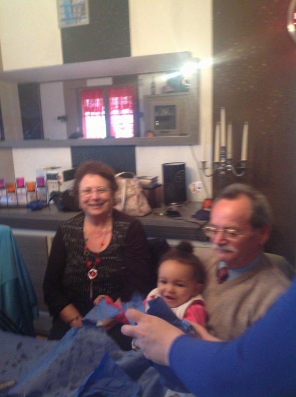 ma mère, , mon père, ma petite-fille Ornella