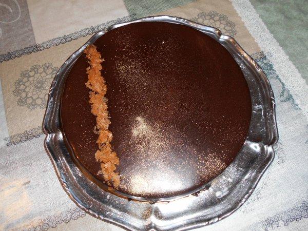 Gâteau au chocolat, croustillant Praliné