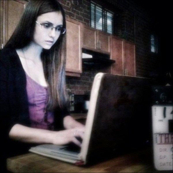Photo du tournage de l'episode 5 de the vampire Diaries & Photoshoop de Nina pour Magazin Fashion
