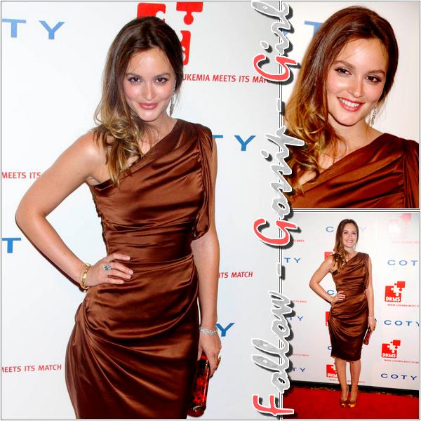 April 28th – 5th Annual DKMS Gala En misant sur sa robe asymétrique et sa coiffure, Leighton est au TOP !
