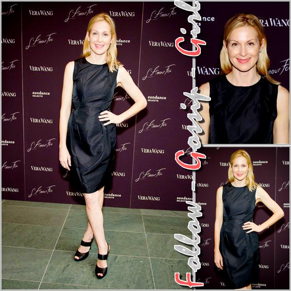 May 01st – L'Amour Fou Screening Dans cette robe noire, Kelly est trop simple et effacée pour être au TOP !